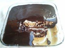 Çikolata Soslu ve Muzlu Pasta Lezzet Tramvayi